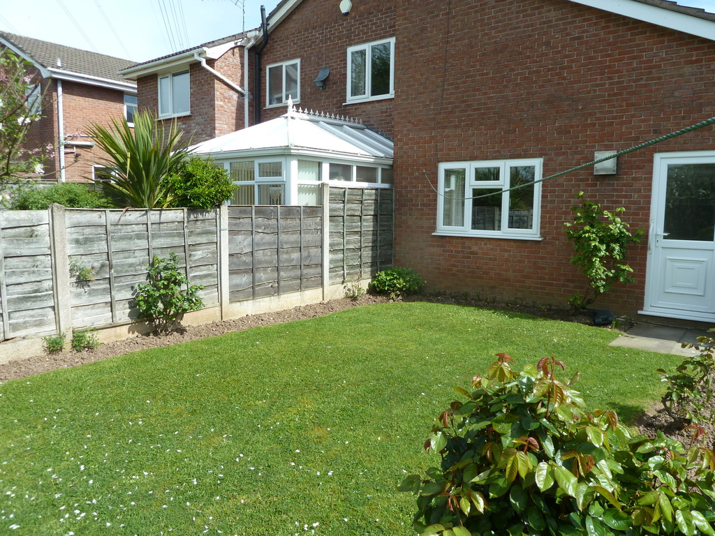 2 Bedroom Semi-detached Bungalow Bungalow To Rent - Image 10