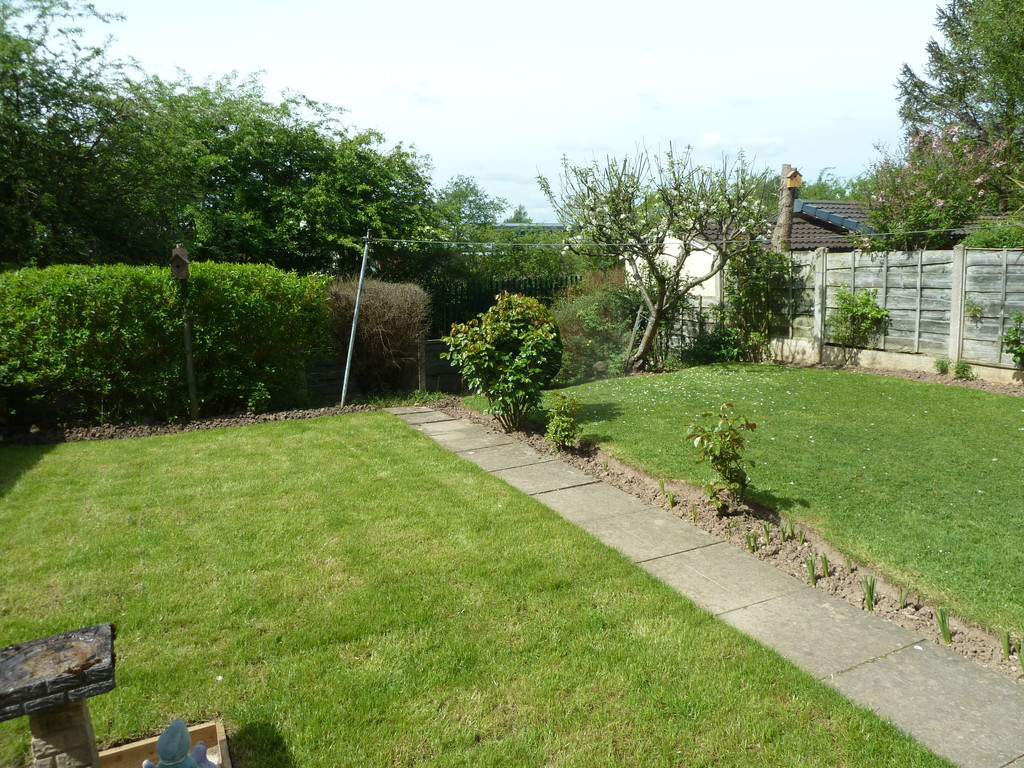 2 Bedroom Semi-detached Bungalow Bungalow To Rent - Image 8