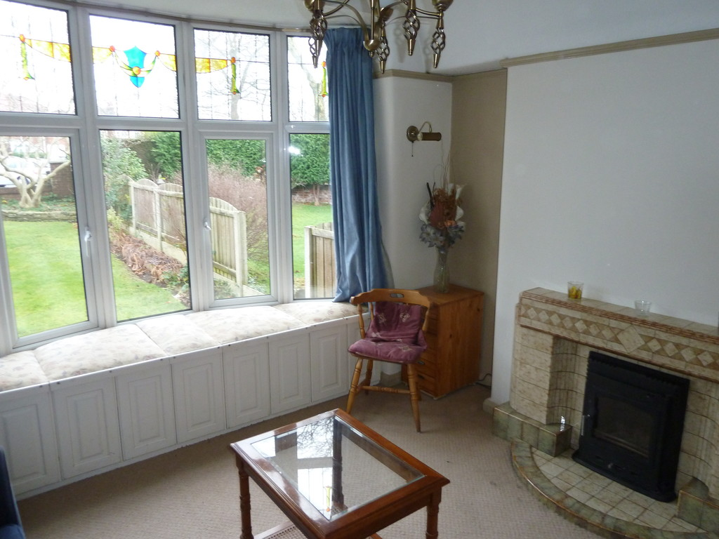 4 Bedroom Semi-detached House To Rent - Image 3