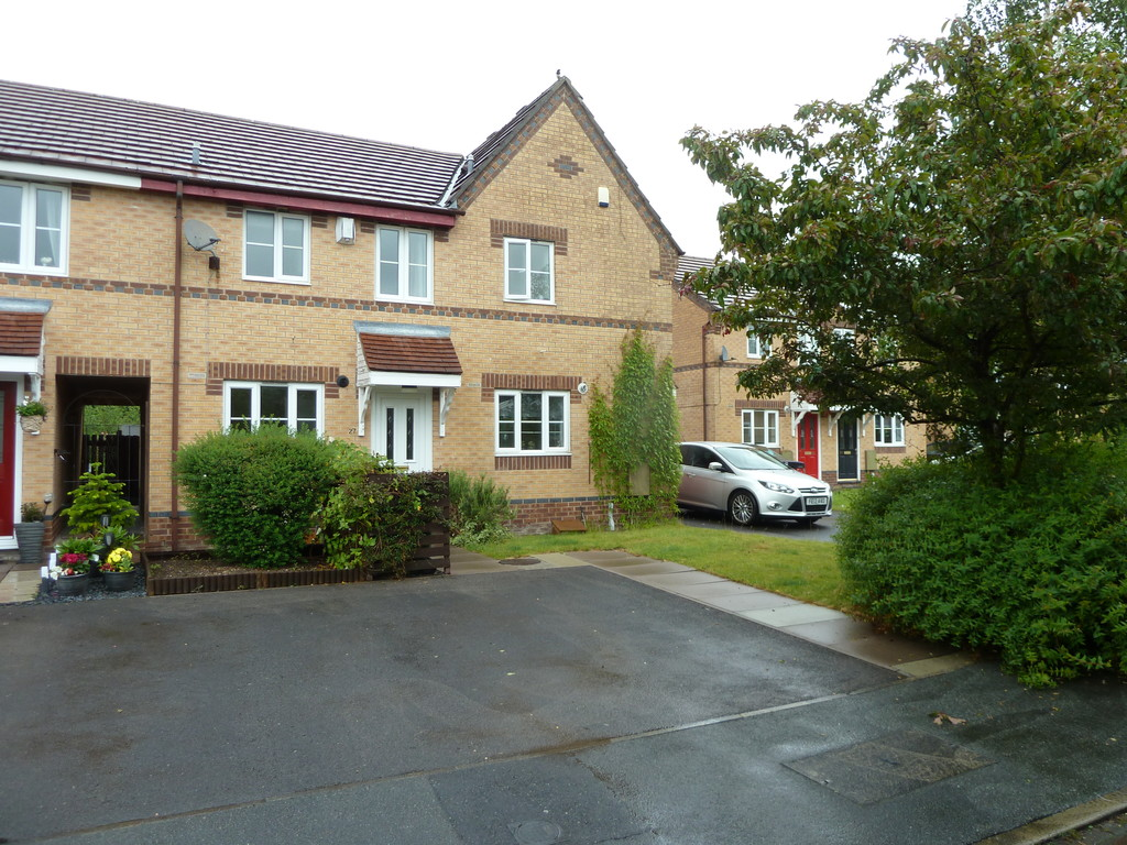 2 Bedroom Mews House To Rent - Image 1