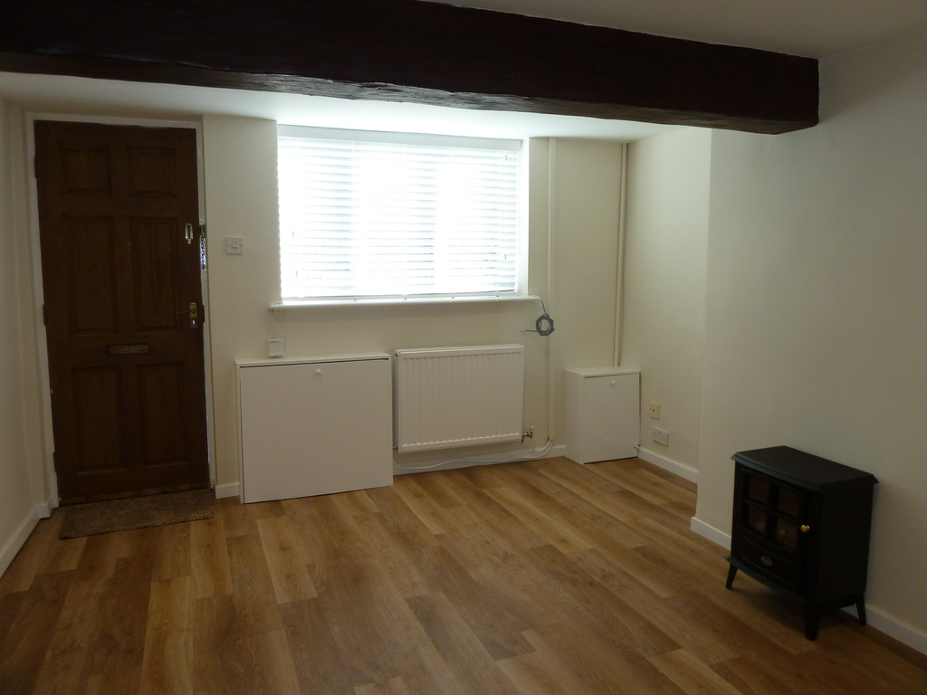 1 Bedroom Mews House To Rent - Image 3