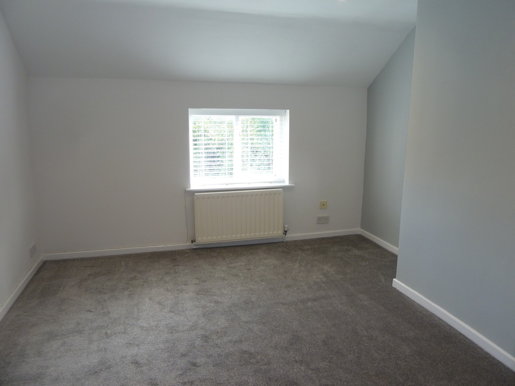 1 Bedroom Mews House To Rent - Image 5