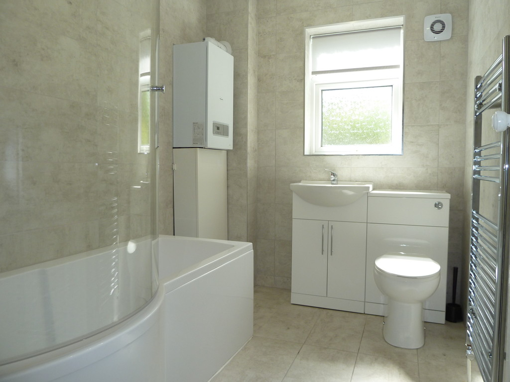 2 Bedroom Cottage House To Rent - Image 3