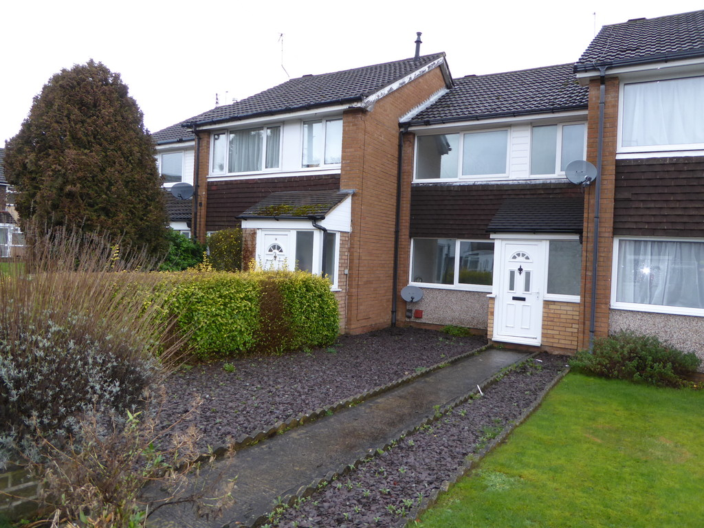 3 Bedroom Mid Terraced House To Rent - Image 12