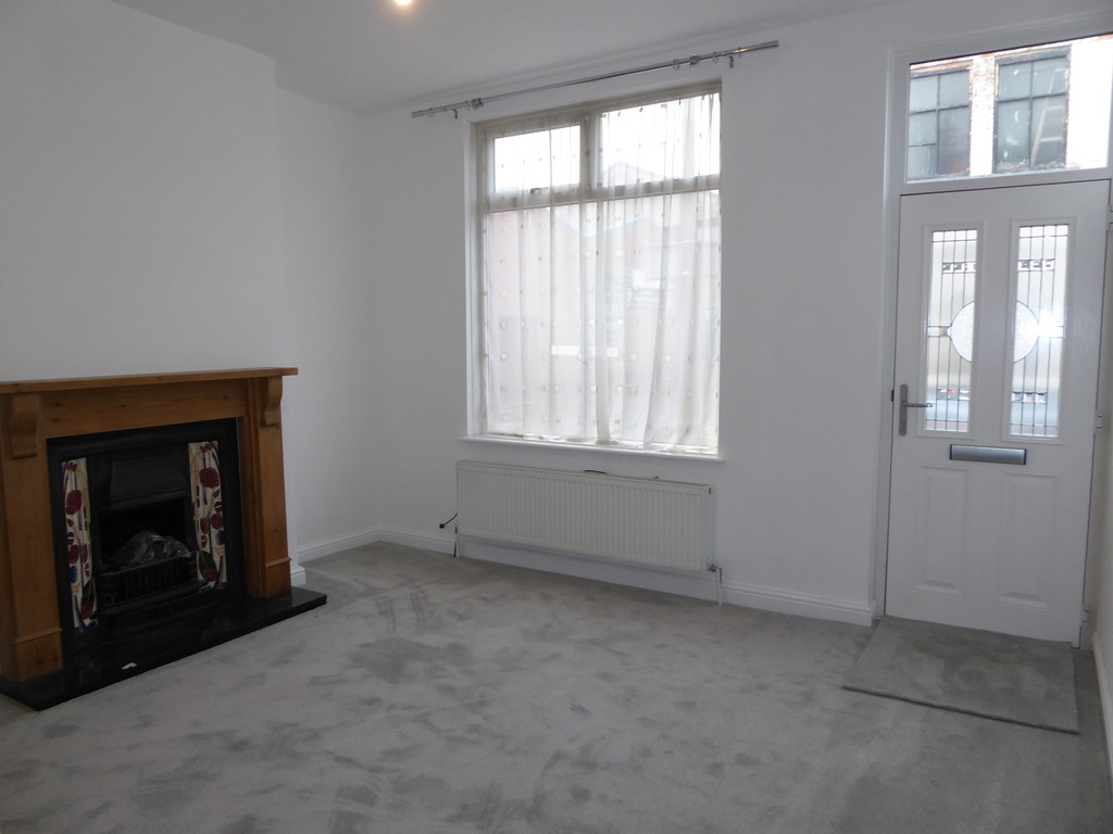 2 Bedroom End Terraced House To Rent - Image 4