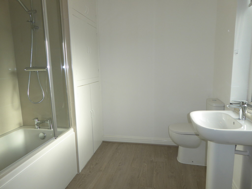 2 Bedroom End Terraced House To Rent - Image 10