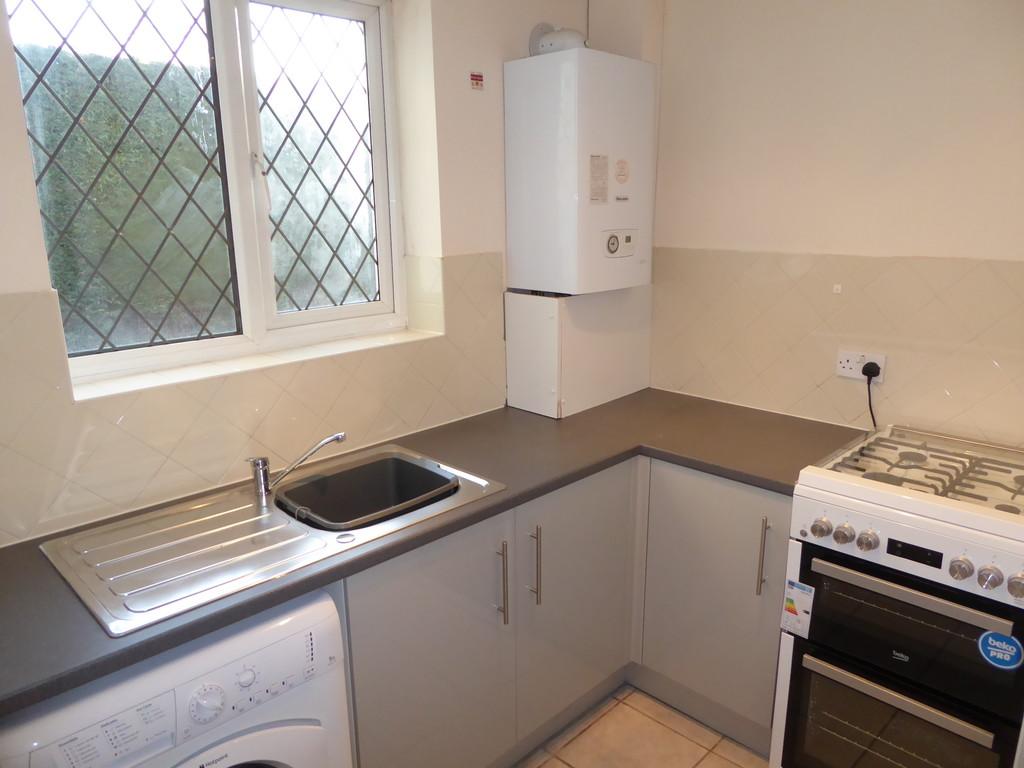 1 Bedroom Ground Floor Flat Flat To Rent - Image 4