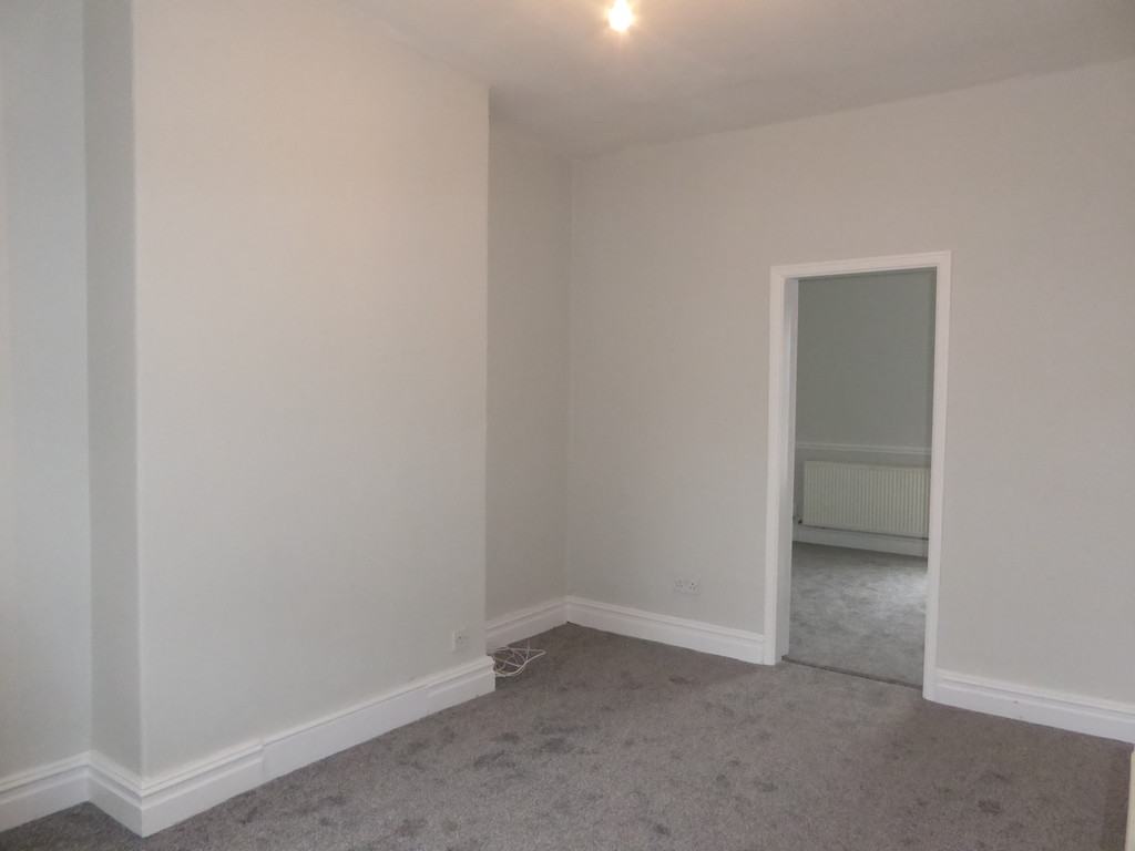 1 Bedroom Apartment Flat To Rent - Image 3