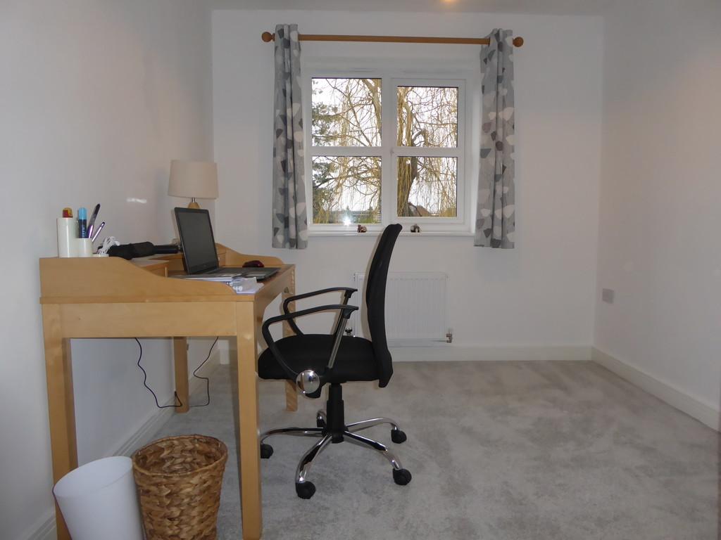 4 Bedroom Detached House To Rent - Image 8