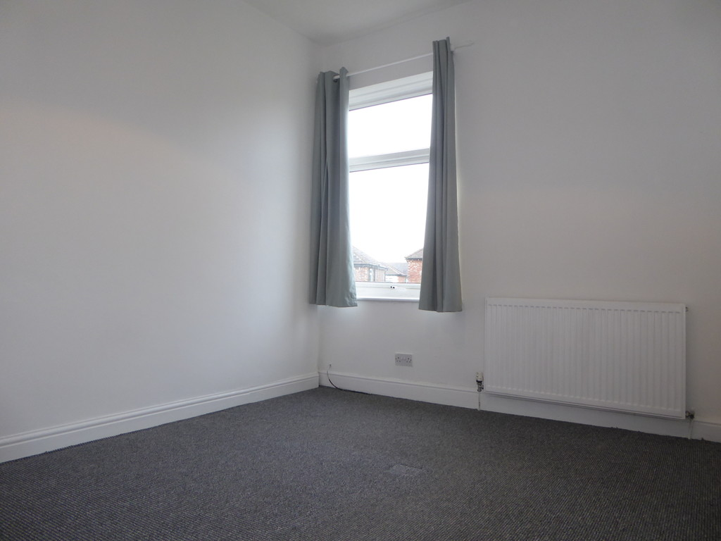 3 Bedroom End Terraced House To Rent - Image 6
