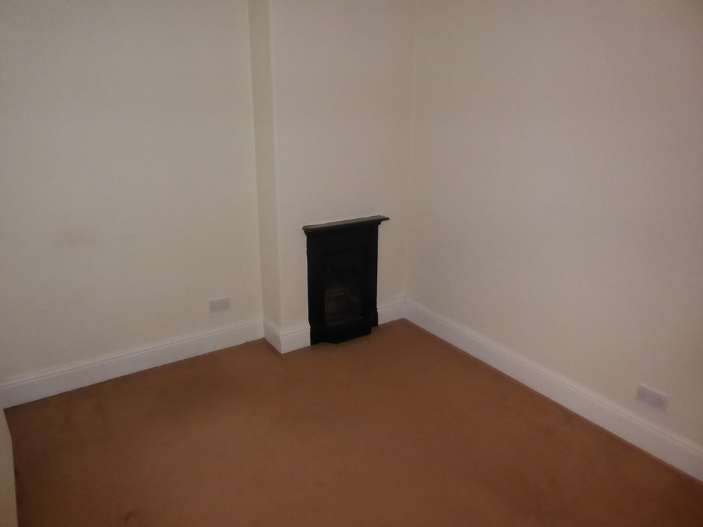 2 Bedroom Cottage House To Rent - Image 9