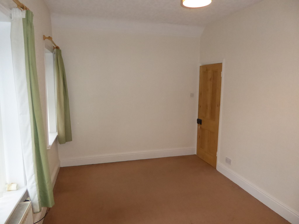 2 Bedroom Cottage House To Rent - Image 8
