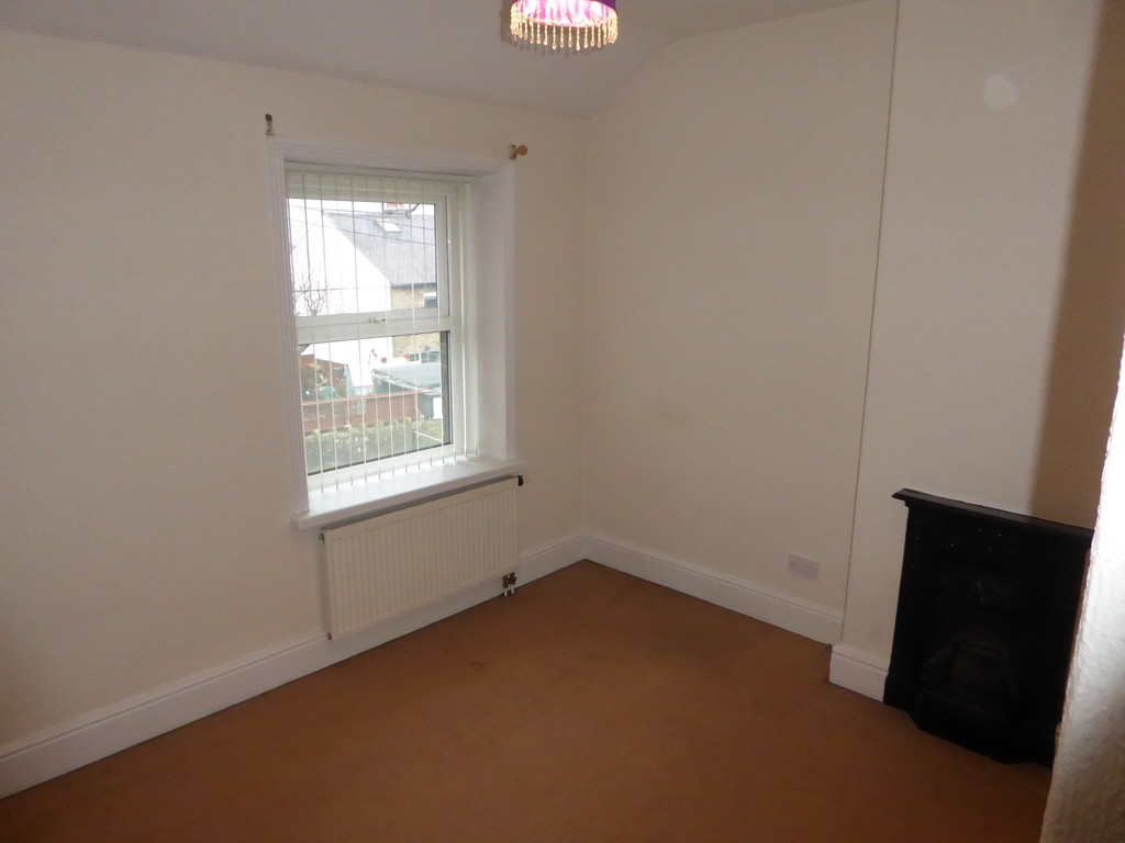 2 Bedroom Cottage House To Rent - Image 7