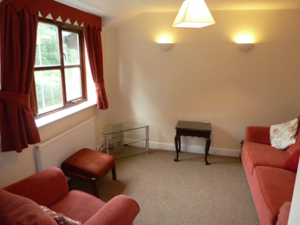1 Bedroom Flat To Rent - Image 2