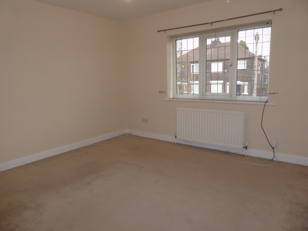 2 Bedroom Mews House To Rent - Image 4