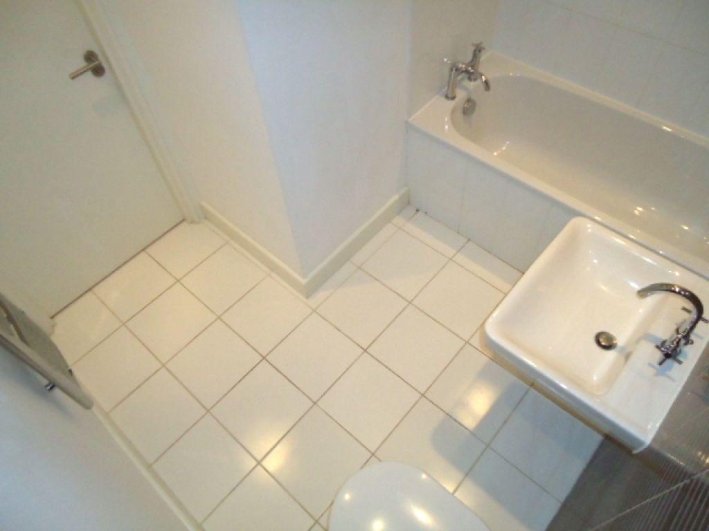 2 Bedroom Ground Floor Flat Flat To Rent - Image 10