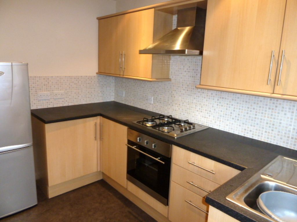 2 Bedroom Flat To Rent - Image 1