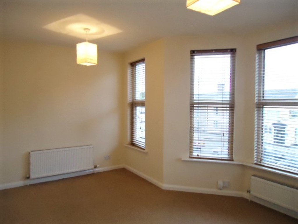 2 Bedroom Flat To Rent - Image 3