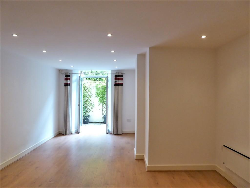 1 Bedroom Ground Floor Flat Flat To Rent - Image 3