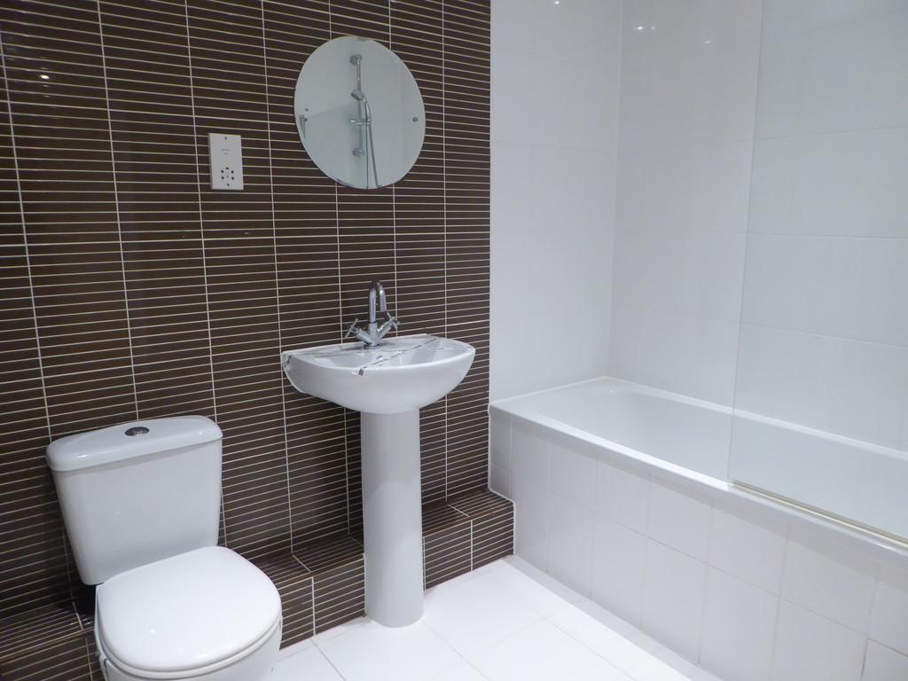 1 Bedroom Ground Floor Flat Flat To Rent - Image 2