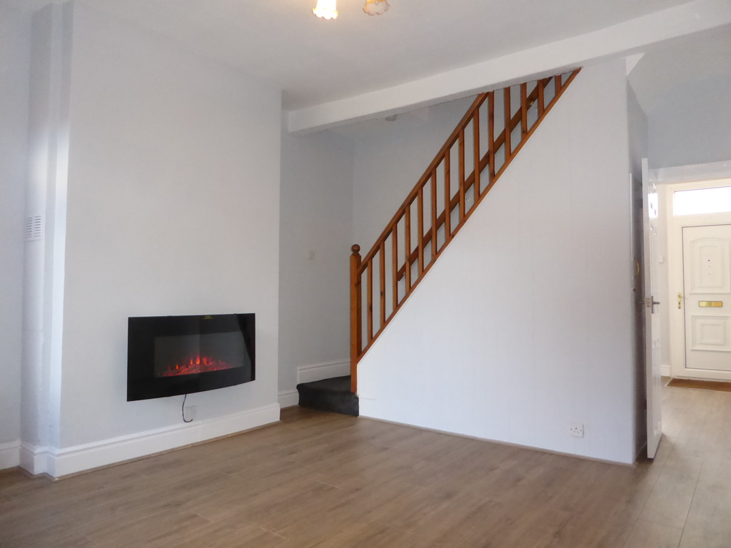 2 Bedroom Mid Terraced House To Rent - Image 4