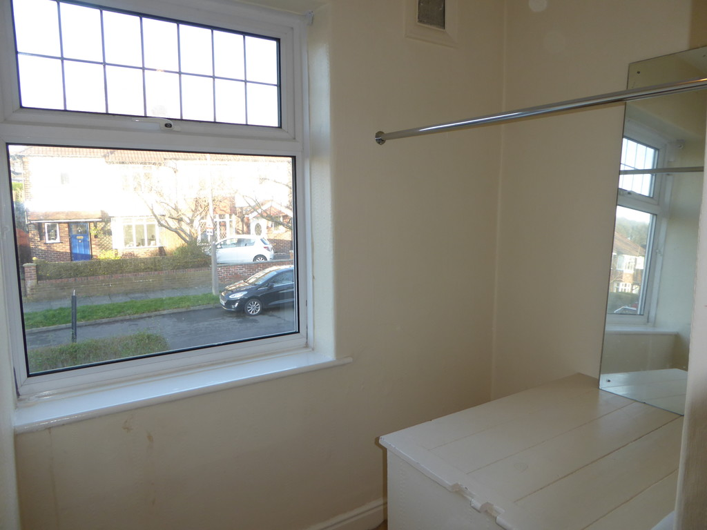 4 Bedroom Semi-detached House To Rent - Image 15