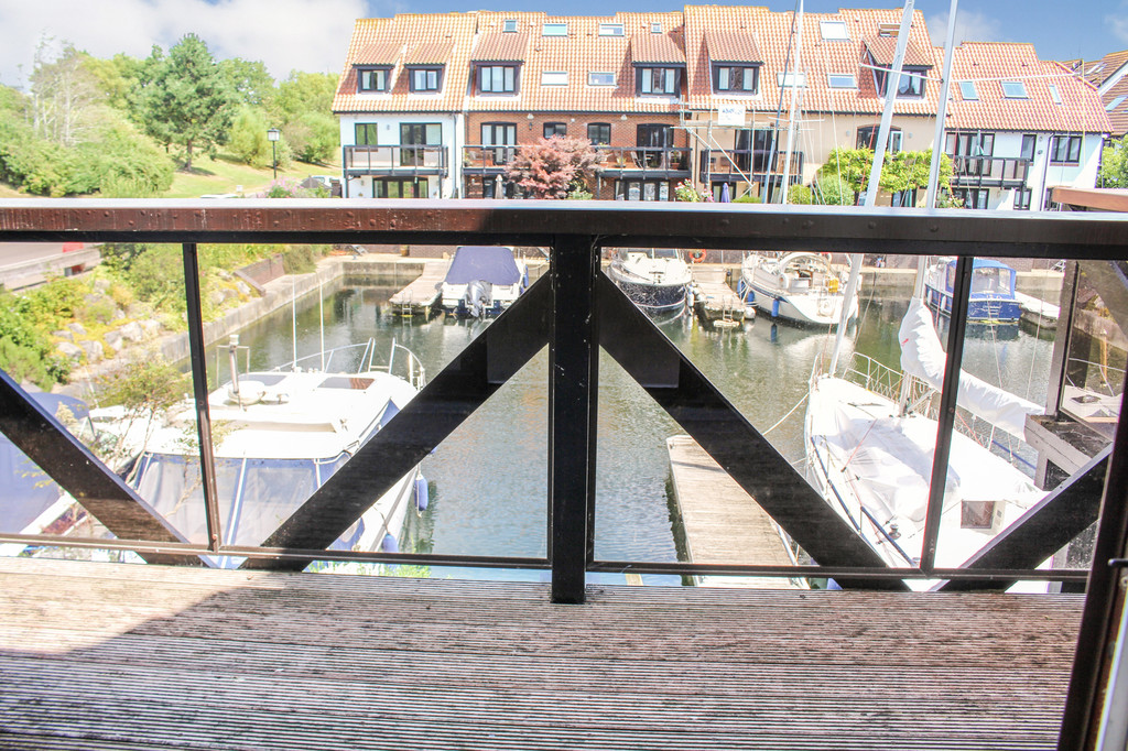 Endeavour Way, Hythe Marina Village 13