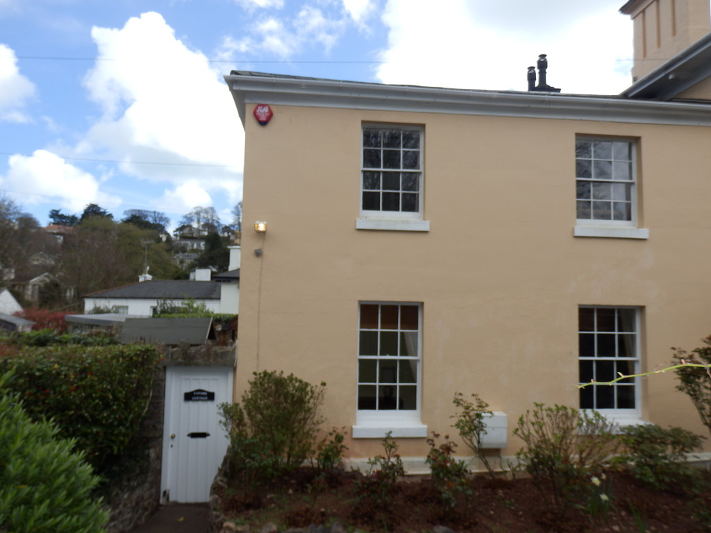 2 Bedroom Cottage for Let