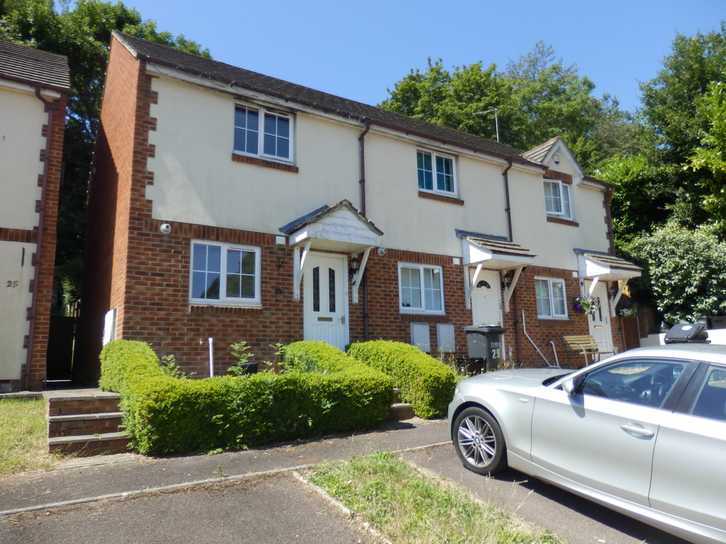 2 Bedroom Terraced House for Let