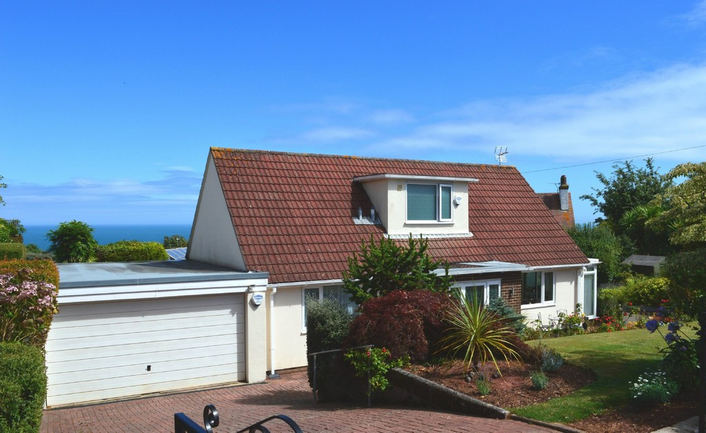 3 Bedroom Detached Chalet Bungalow for Sale