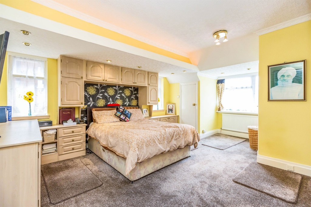 Image 9/10 of property  Anderton Park Road, Moseley, B13 9DS
