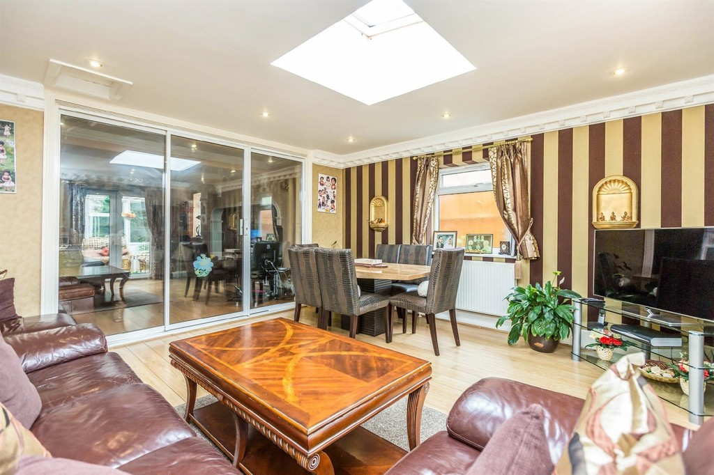 Image 6/10 of property  Anderton Park Road, Moseley, B13 9DS