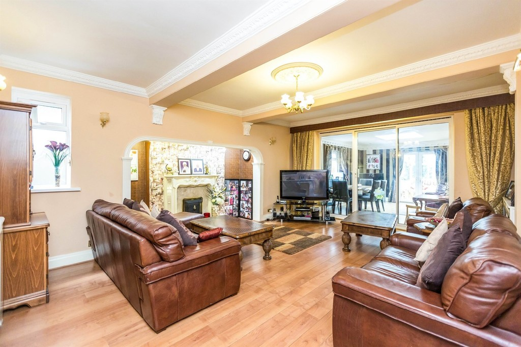 Image 4/10 of property  Anderton Park Road, Moseley, B13 9DS