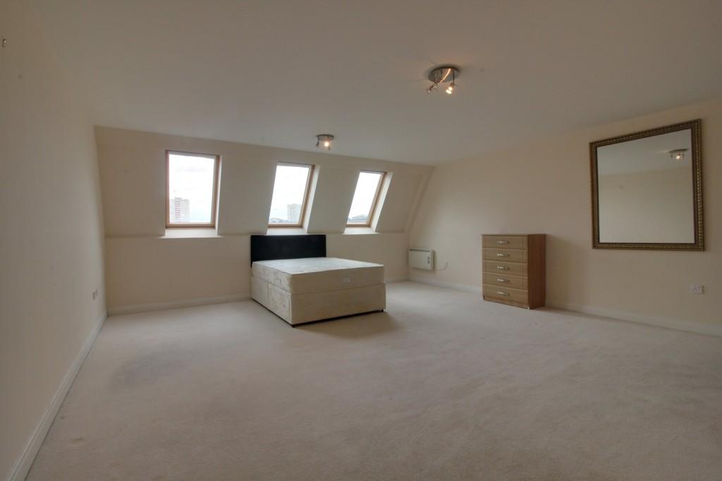 Image 6/13 of property Q Apartments, 21 Newhall Hill, Birmingham, B1 3JA