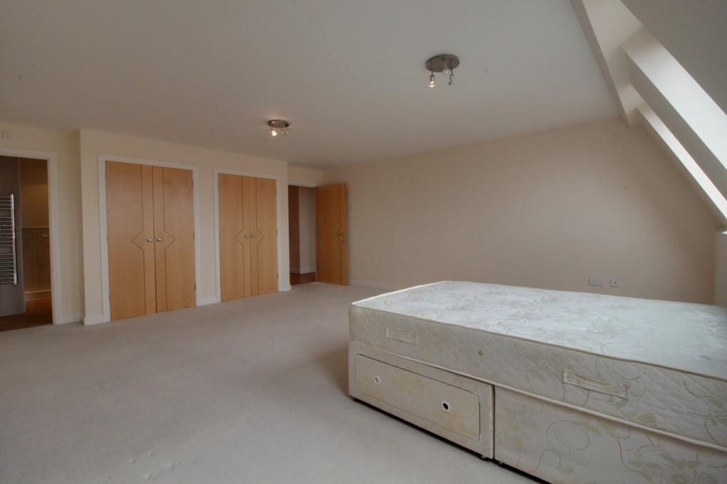 Image 12/13 of property Q Apartments, 21 Newhall Hill, Birmingham, B1 3JA