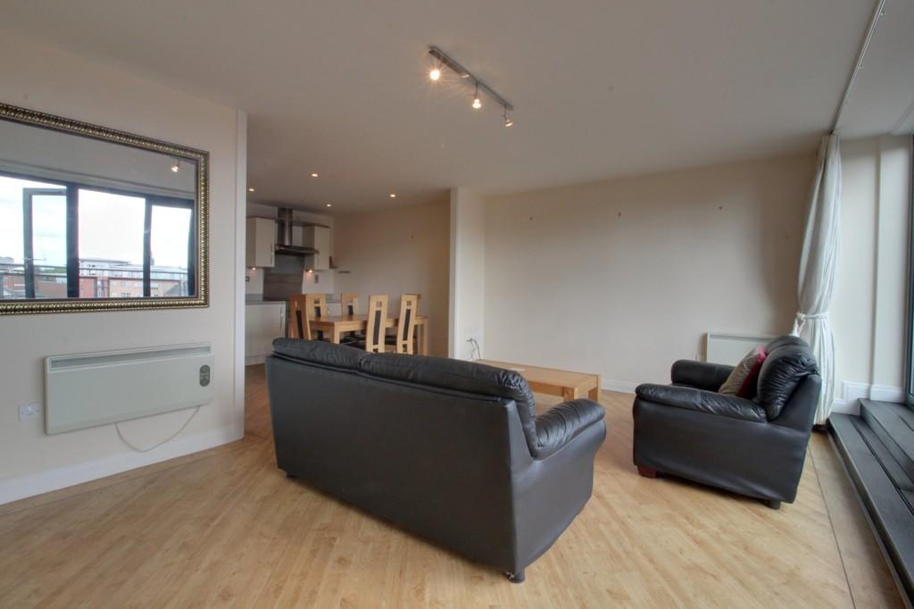Image 7/13 of property Q Apartments, 21 Newhall Hill, Birmingham, B1 3JA