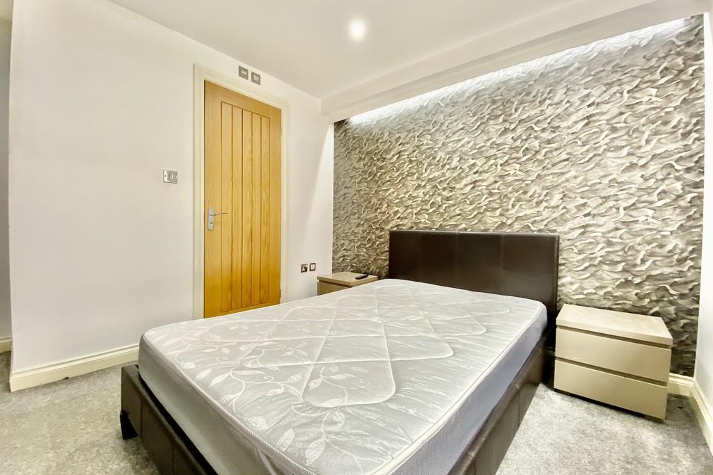 V2 Residence, 60 Upper Basinghall Street, Leeds image 4