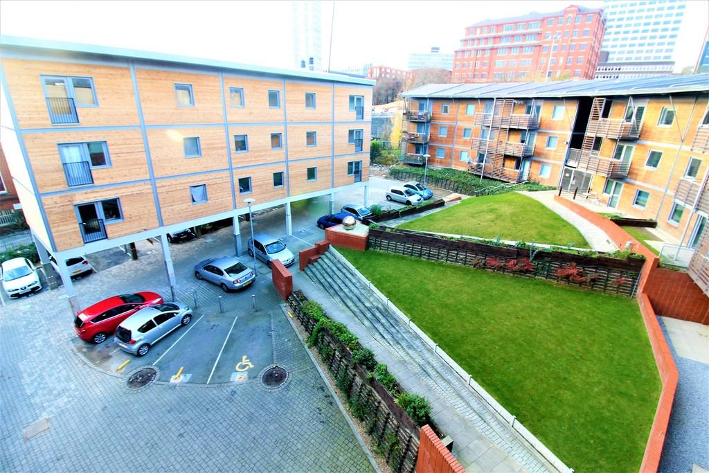 Parking Bay, 55 North Street, Leeds image 1