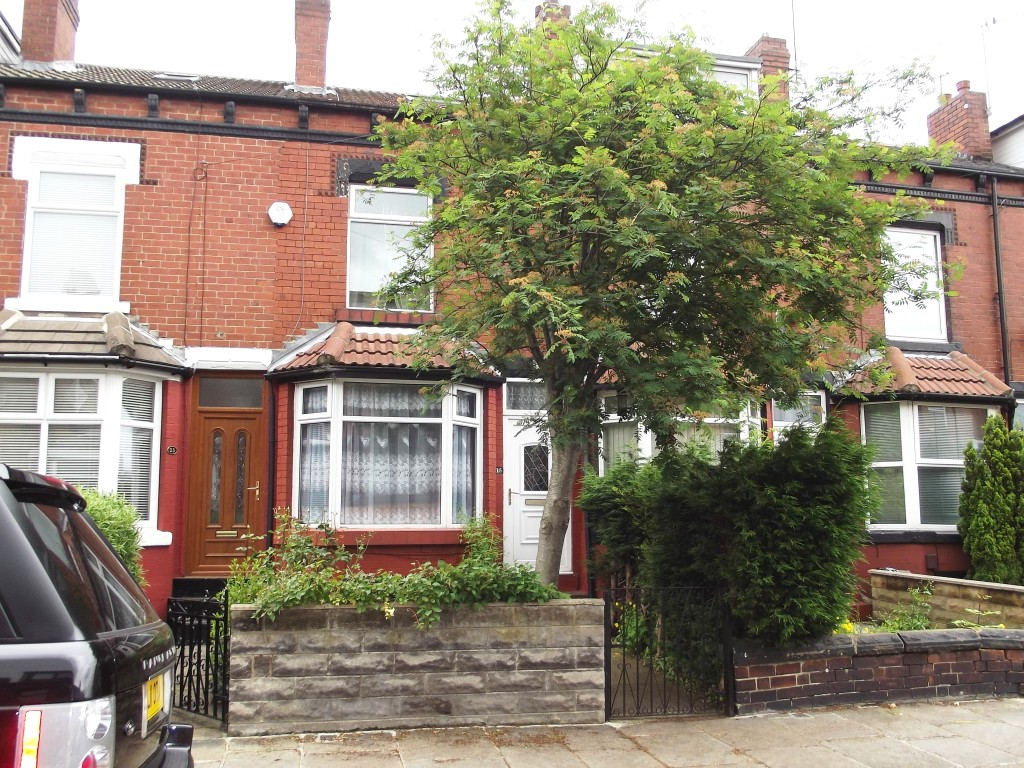 Cross Flatts Terrace, Beeston, LS11 7JW