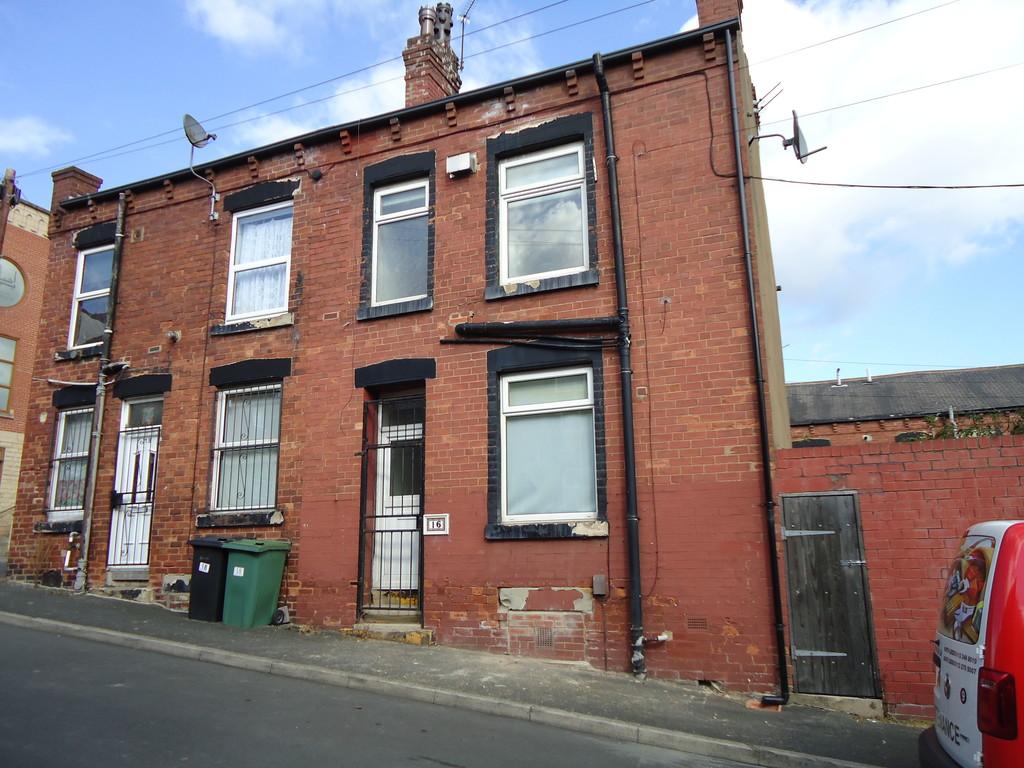 Woodview Terrace, Leeds, LS11 6LF
