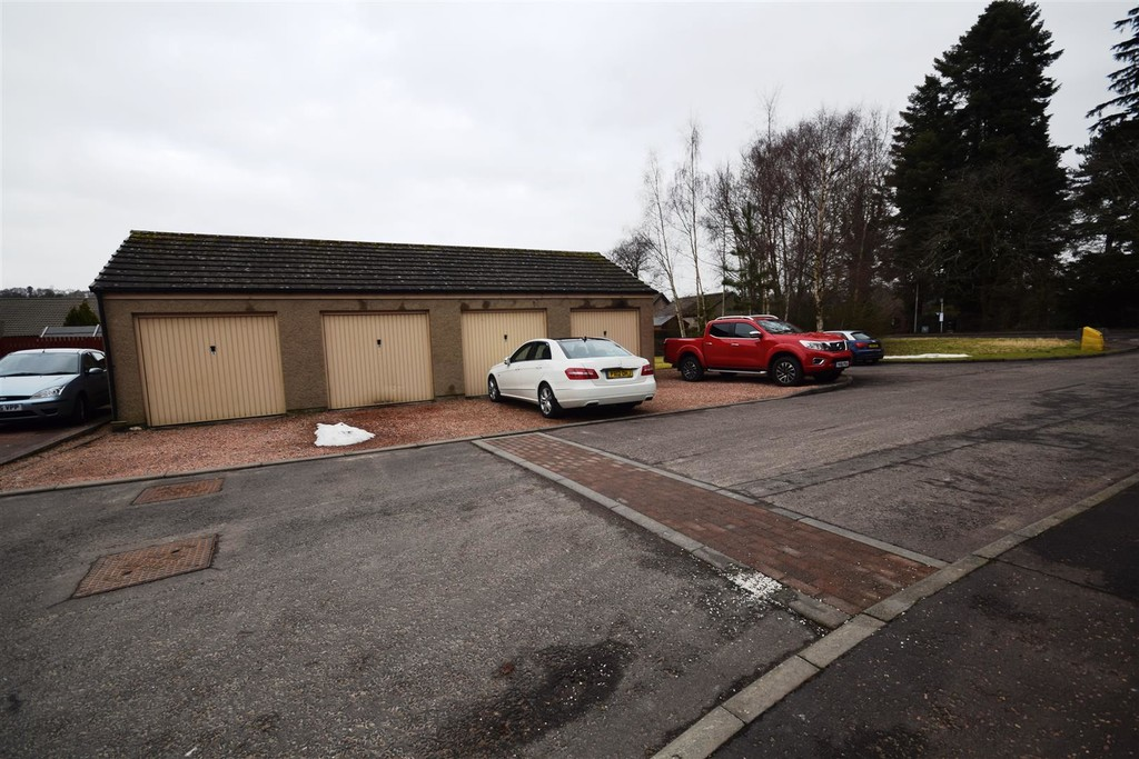 Dyers Close, Huntingtowerfield, Perth