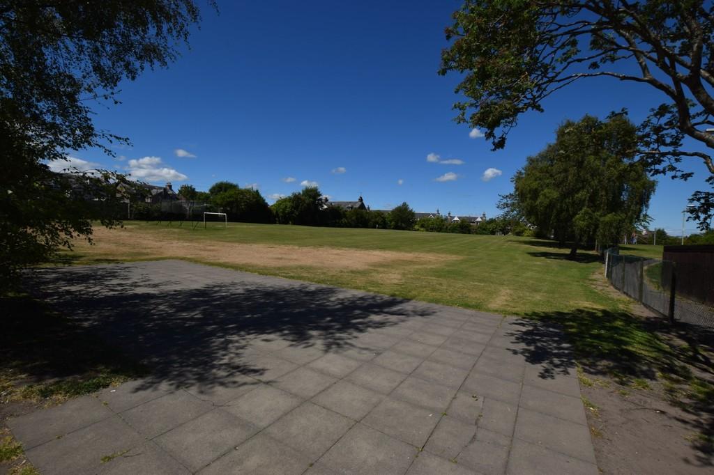 Raeburn Court, Perth