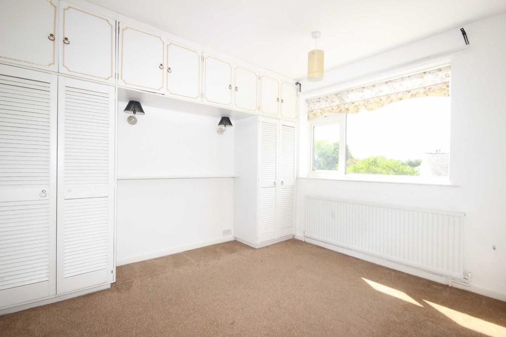 3 Bedroom Semi-detached House To Let Lyndene Avenue Image $key