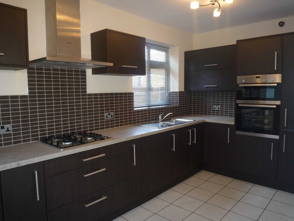 3 Bedroom Semi-detached House Let Agreed Old Clough Lane Image $key