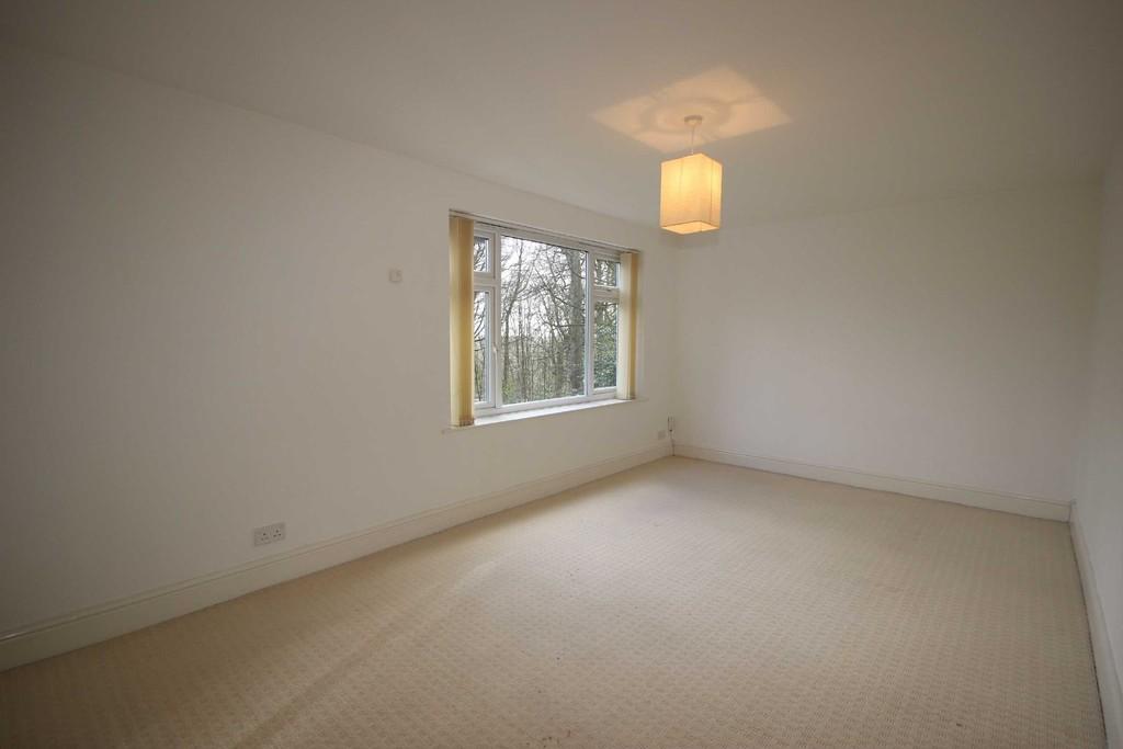 3 Bedroom Flat Let Agreed Springclough Image $key