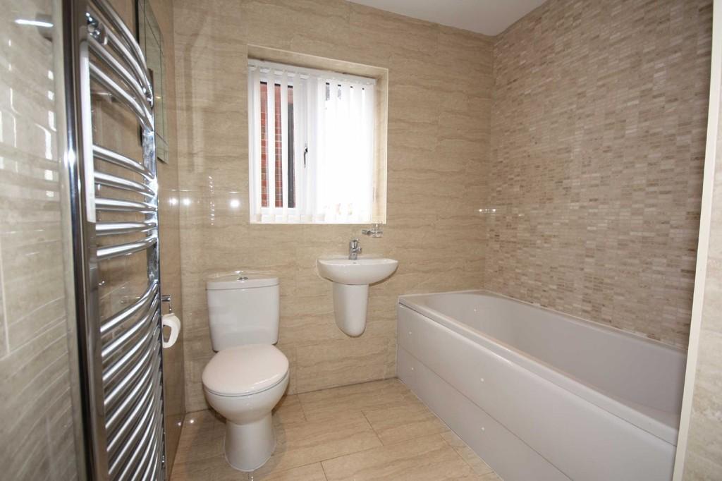 4 Bedroom Mews House To Let Chaddock Lane Image $key