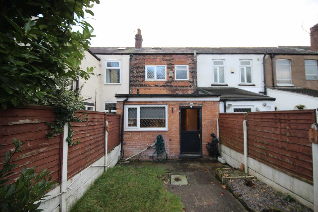 2 Bedroom Mid Terraced House To Let Newearth Road Image $key