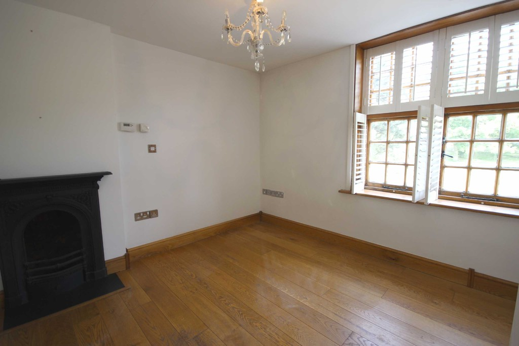 3 Bedroom Mid Terraced House References Pending The Green Image $key