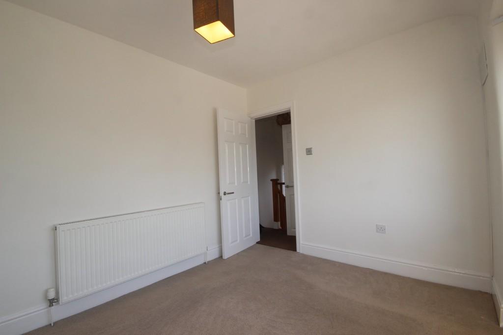 3 Bedroom Semi-detached House References Pending Burnside Avenue Image $key