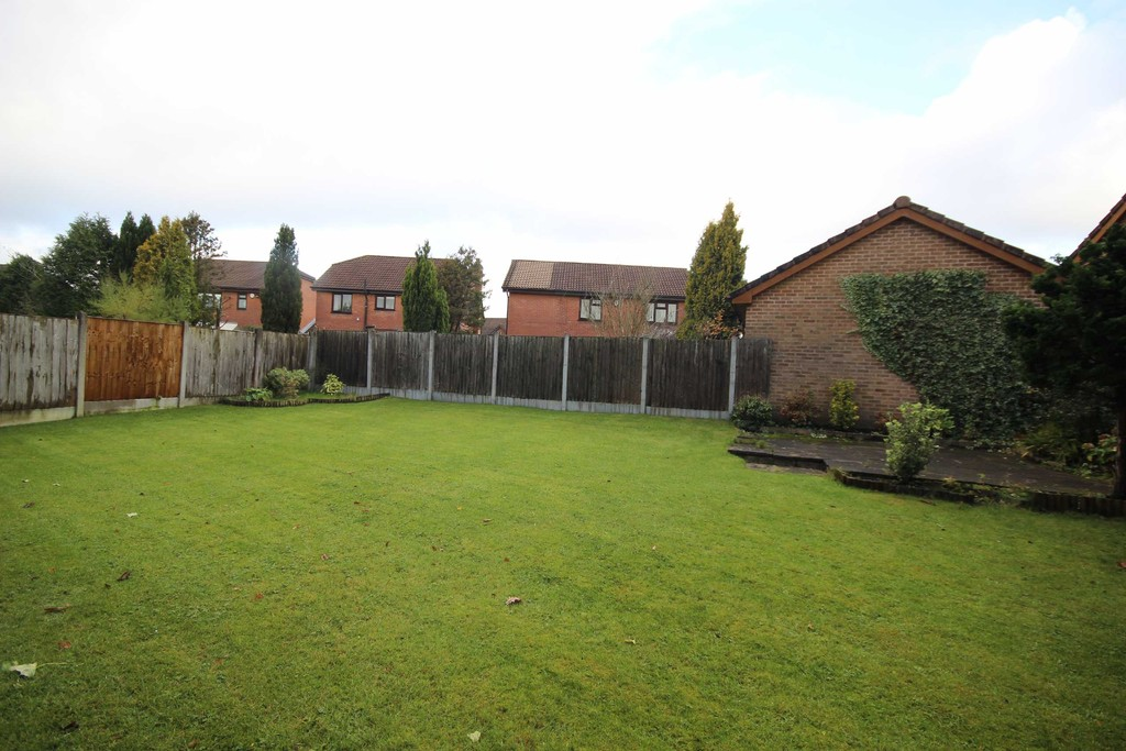 4 Bedroom Detached House To Let Averhill Image $key